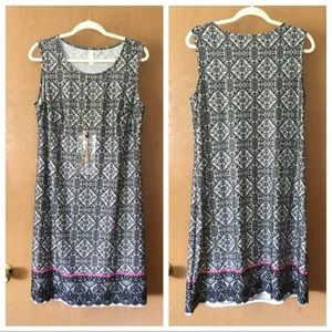 Necklace Tacera Sheath Dress